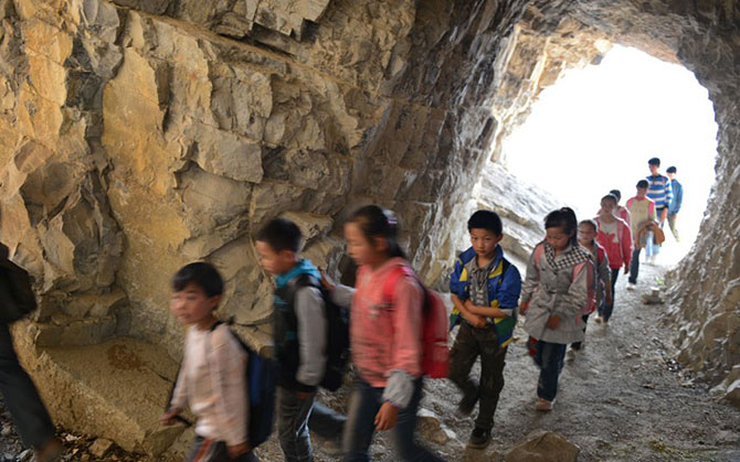 Экстремальная дорога в школу