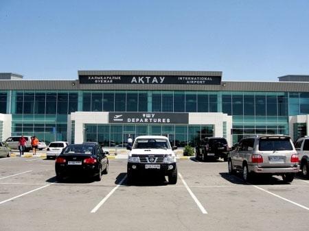 В аэропорту Актау самолет совершил вынужденную посадку