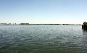 На озере Балхаш в Карагандинской области спасены два рыбака