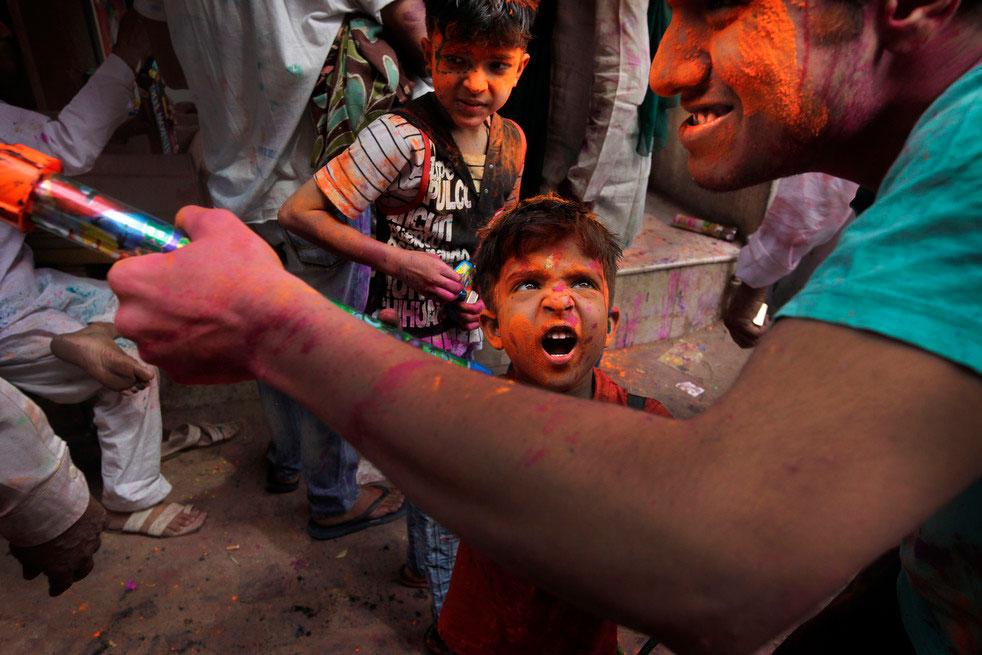 Празднование фестиваля Холи в Индии