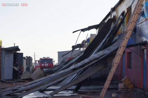 Пожару на рынке в центре Караганды присвоен самый высокий ранг сложности (фото)