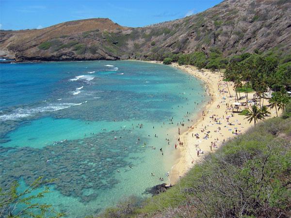 Земной рай - гавайский пляж внутри древнего кратера