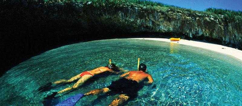 Скрытый мексиканский пляж на островах Мариеты