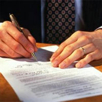 В Астане нотариусы будут обязаны заверять бумаги на двух языках