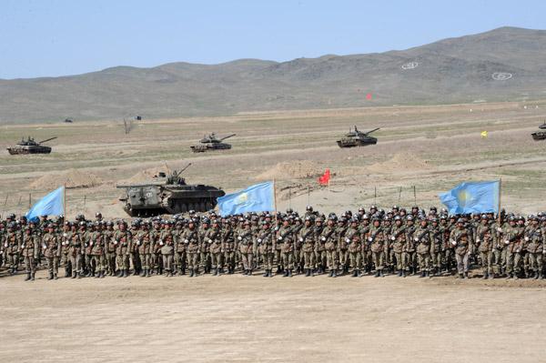 На 40-й военной базе «Отар» продолжается подготовка к Боевому параду