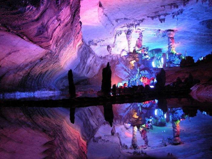 Сказочная пещера тростниковой флейты (Reed Flute Cave)