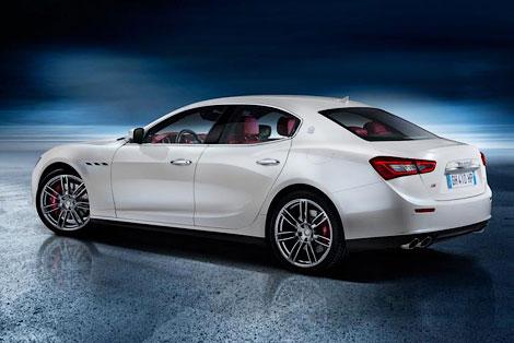 Maserati рассекретила седан Ghibli