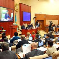 Законопроект, предусматривающий выборы акимов нижнего уровня маслихатами, одобрен Мажилисом в первом чтении