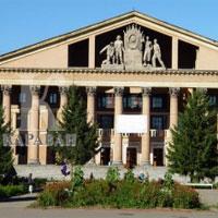 В Усть-Каменогорске обновят главный памятник сталинского классицизма