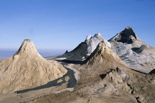 Оль Дойньо Ленгаи - самый холодный действующий вулкан в мире