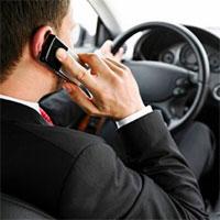 За разговоры за рулем по мобильному телефону будут лишать прав