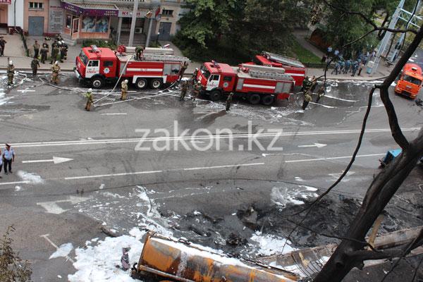 Эксклюзивные фото с места пожара в Алматы