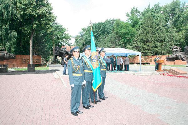 В Алматы состоялся выпуск курсантов Военно-инженерного института радиоэлектроники и связи