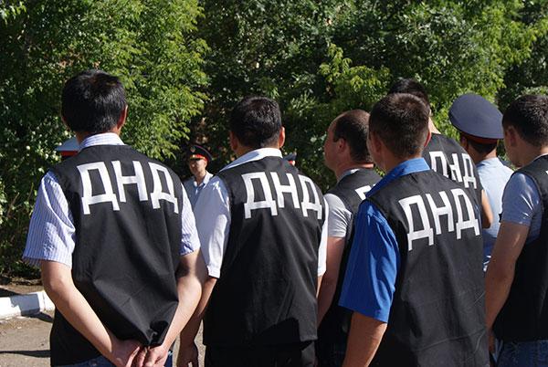 Добровольные народные дружинники заступили на охрану правопорядка в Караганде (фото)