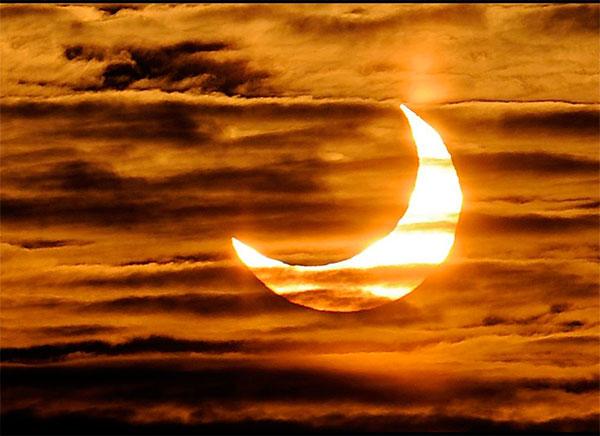 Самые потрясающие фото солнечного затмения