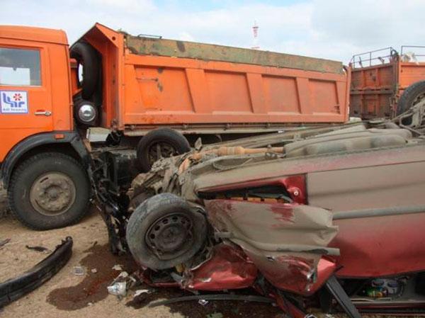 В ЗКО по вине нелегального пассажироперевозчика произошла авария (фото)