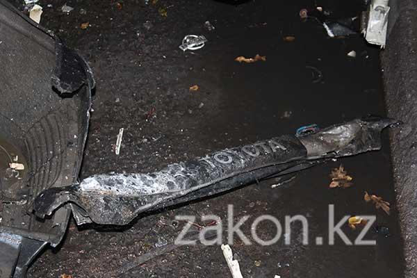 Три человека пострадали в результате того, что Тойоту «просто швырнуло» на встречную полосу, Алматы (фото)