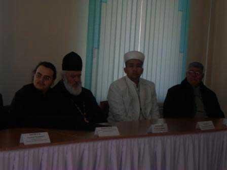 В Семее представители различных религиозных объединений собрались за круглым столом