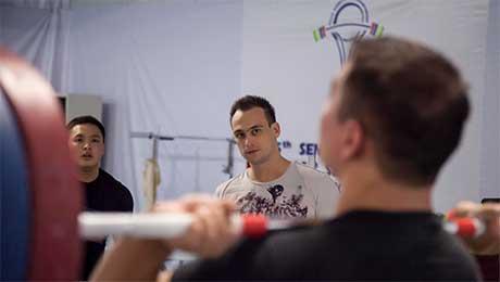 Илья Ильин возглавил собственную команду по тяжелой атлетике