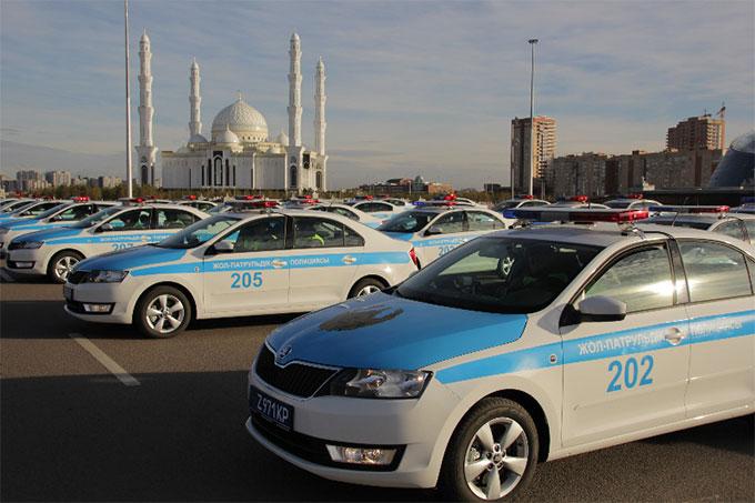 В Казахстане начали работу универсальные полицейские