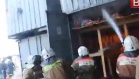 Во время пожара на «барахолке» в Алматы никто не погиб