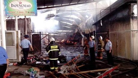 Власти Алматы готовятся к полному сносу сгоревших рынков