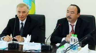 В ходе круглого стола профессор А.Г. Диденко был награжден медалью