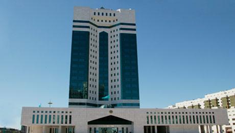 Правительство РК пересмотрит бюджет на 2015 год в связи с падением цен на нефть - Б.Сагинтаев