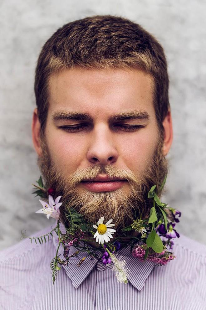 Бороды с цветами
