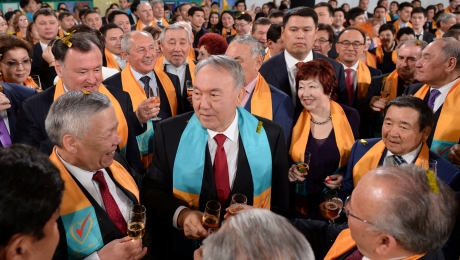 Нурсултан Назарбаев выразил благодарность за доверие всему казахстанскому народу