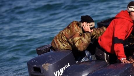 В акватории Каспия при задержании ранили контрабандиста