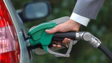 Правительство РК приняло решение отказаться от госрегулирования цен на бензин марки Аи-92/93