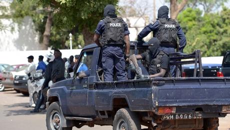 В отеле в Мали до сих пор остается 138 заложников
