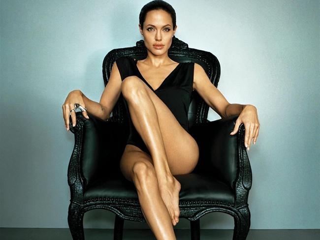10 обладательниц самых шикарных ног в мире