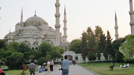 Врезультате теракта вСтамбуле госпитализированы 7 человек