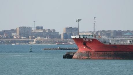 Депутат: нужно работать над безопасностью мореплавания на Каспии