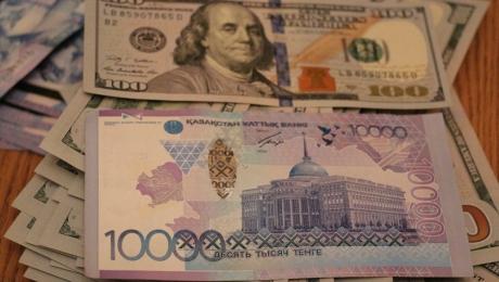 Курс доллара вырос до 368,91 тенге