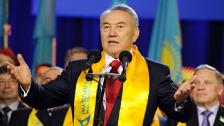 «Нур Отан» побеждает на выборах, получив 81,95% голосов избирателей, следом за ней «Ак жол» с 7,24% голосов и КНПК с 7,22% - exit-poll агентства «Медиа Консул»