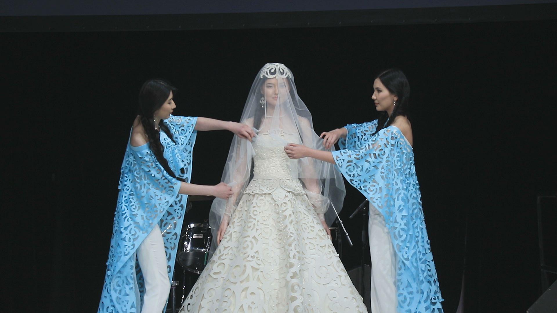 Фото платьев каракат абильдина