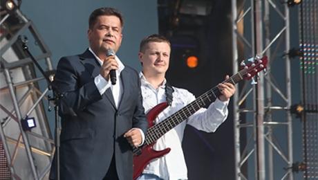 ВПодмосковье избит бас-гитарист группы «Любэ»