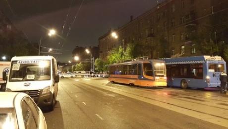 Милиция освободила пятерых заложников изофиса банка в российской столице