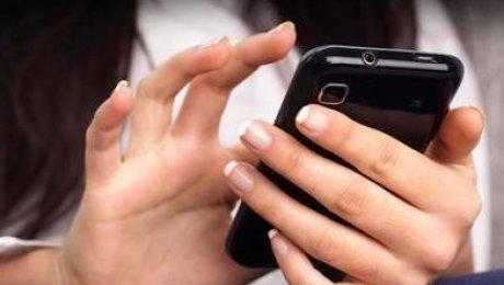 Женщины неменее зависимы от телефонов — Психологи
