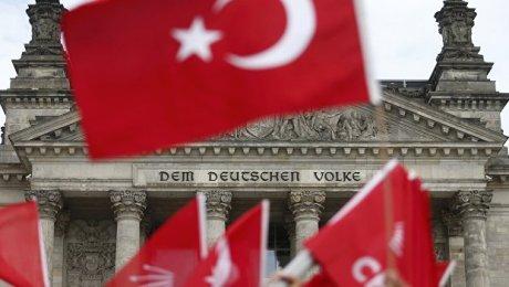 Турция отозвала посла изБерлина