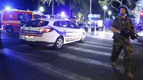 Шофёр грузового автомобиля, который врезался втолпу, убит — Теракт вНицце