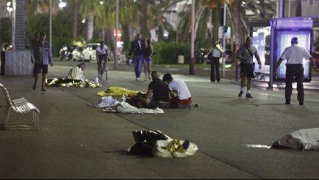 Число погибших теракта вНицце возросло до84 человек