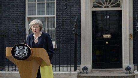 Тереза Мэй: Великобритания небудет начинать переговоры поBrexit внынешнем году