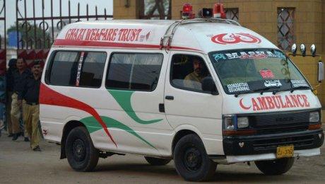 16 человек погибли при падении свадебного автобуса вущелье вПакистане