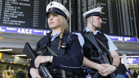 В германском аэропорту Франкфурта началась эвакуация из-за угрозы взрыва