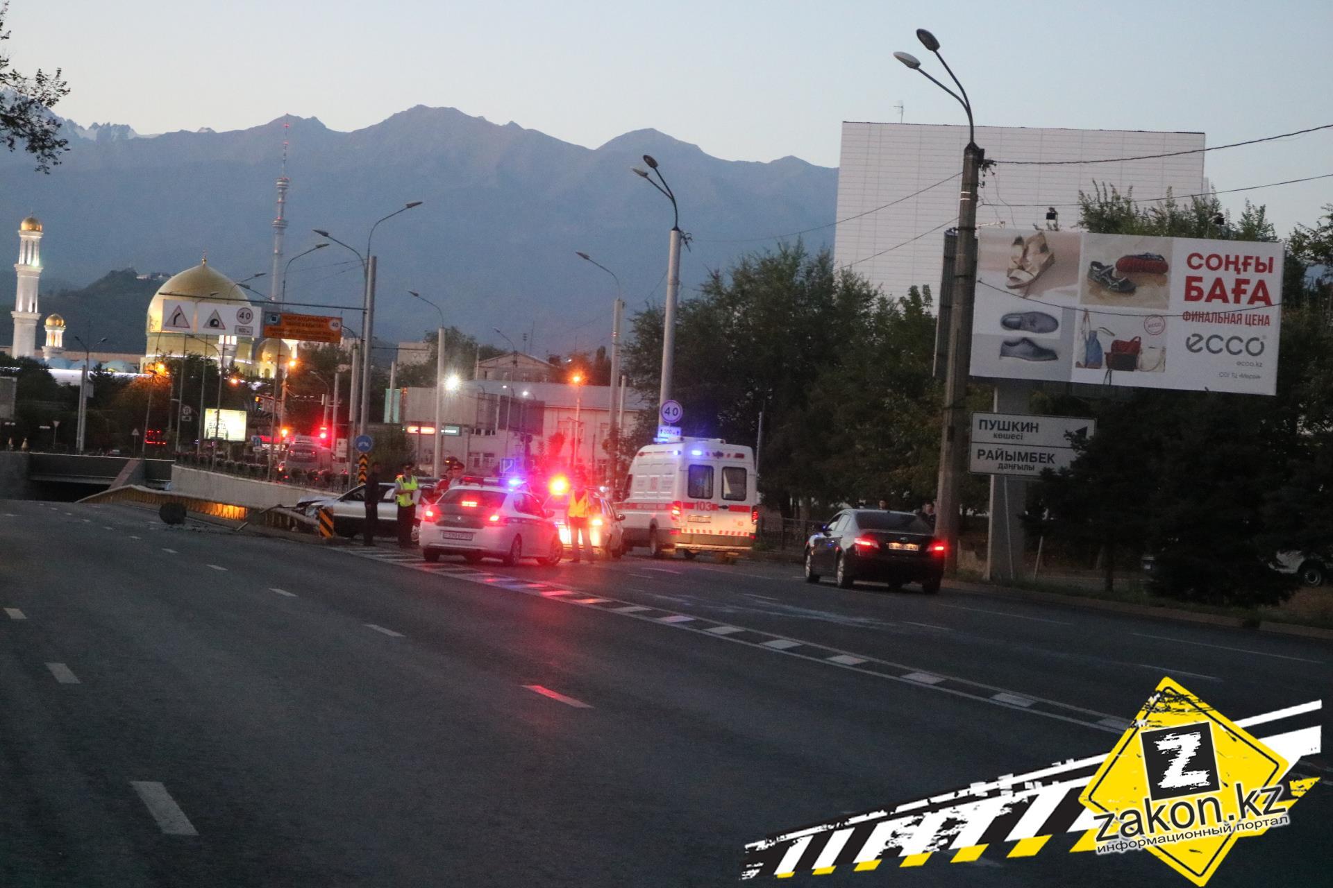 +18: Вжутком ДТП наСуюнбая умер шофёр