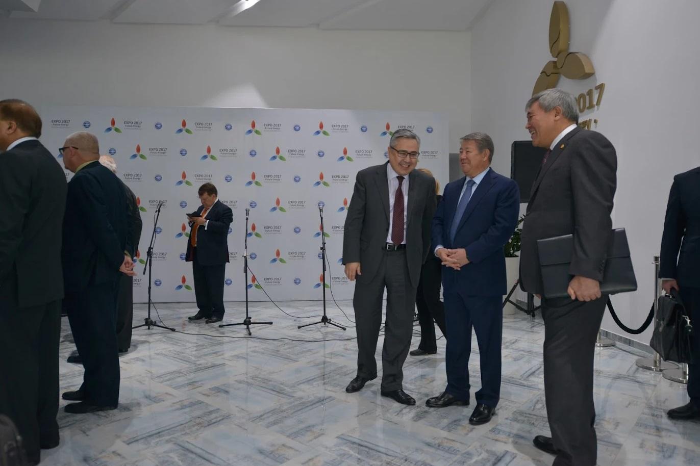 Участникам ЭКСПО необходимо сдать проекты экспозиций павильонов— Ахметжан Есимов